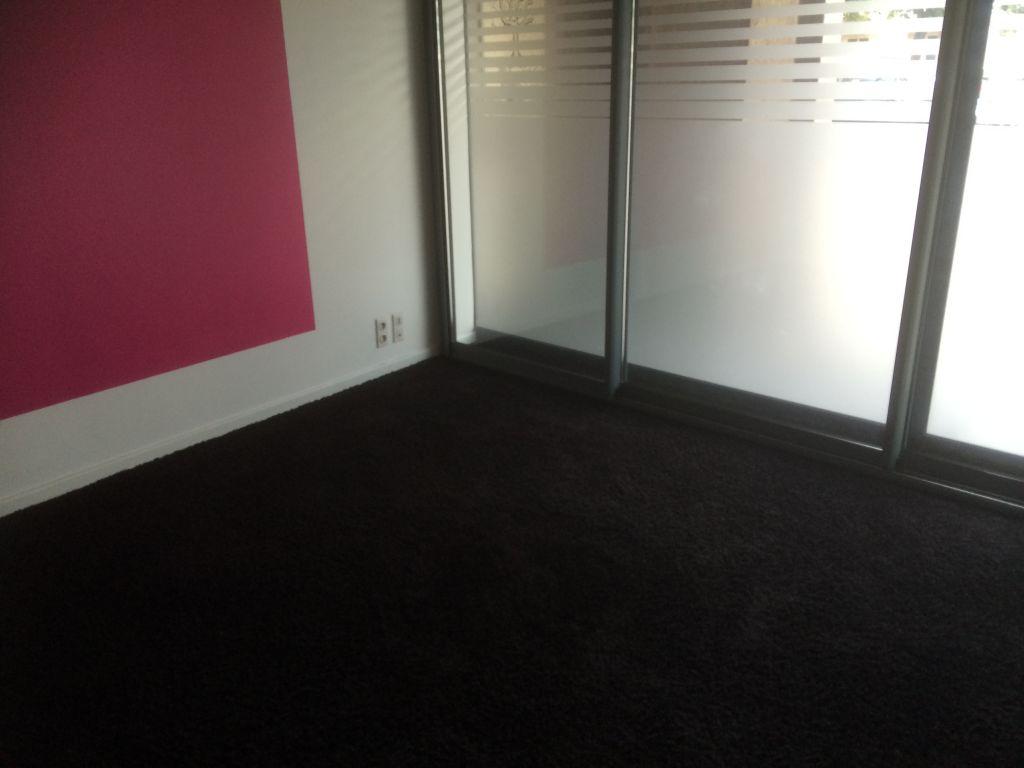 a louer bureaux quimper 157 m 345 600 cabinet p gase portail. Black Bedroom Furniture Sets. Home Design Ideas