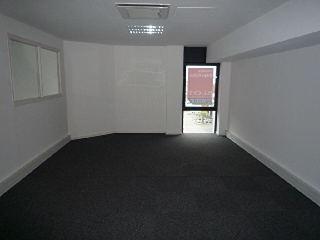a louer bureaux rennes 300 m 3 583 cogir rennes portail. Black Bedroom Furniture Sets. Home Design Ideas
